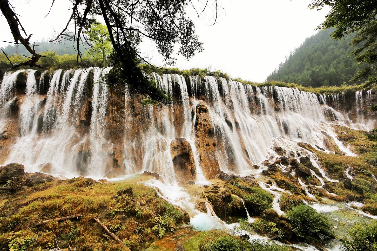 2014-08-21_0947_China_Sichuan_Jiuzhaigou_Nuorilang Falls_@_Web