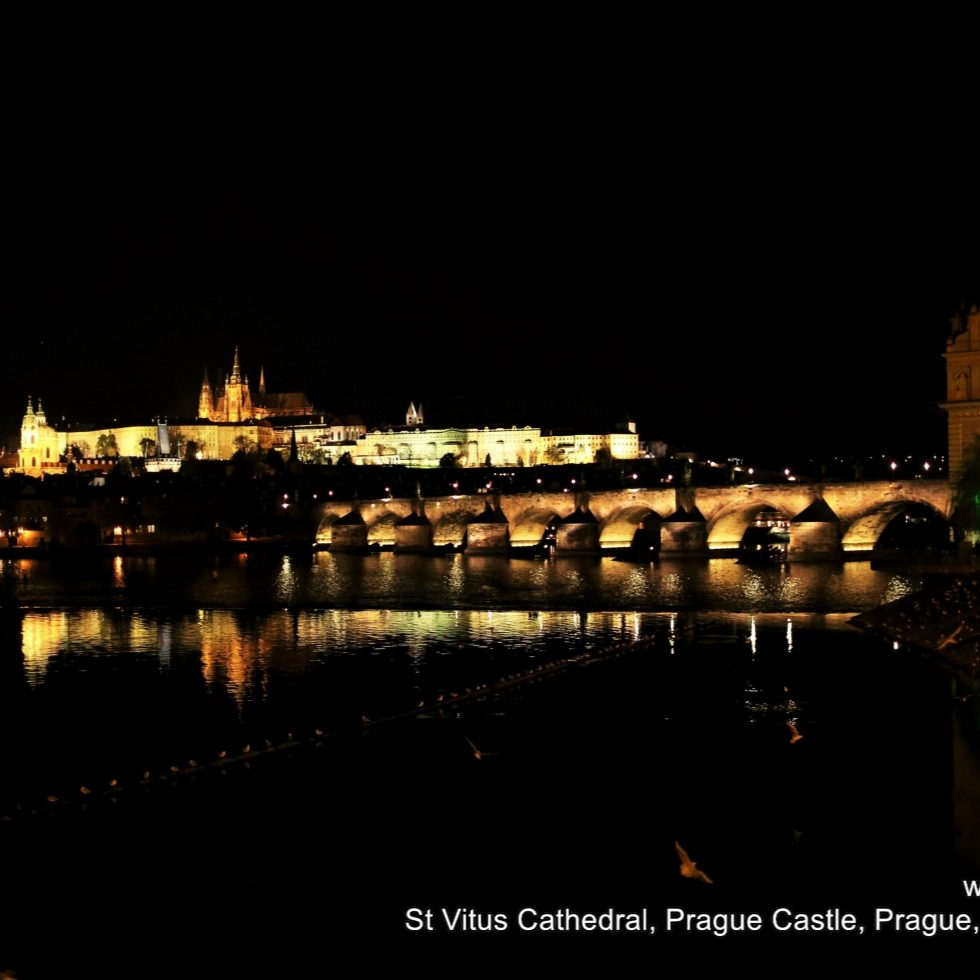 2015-11-07_2148_czech-republic_prague_vltava-river_q03a1149_lr_nw
