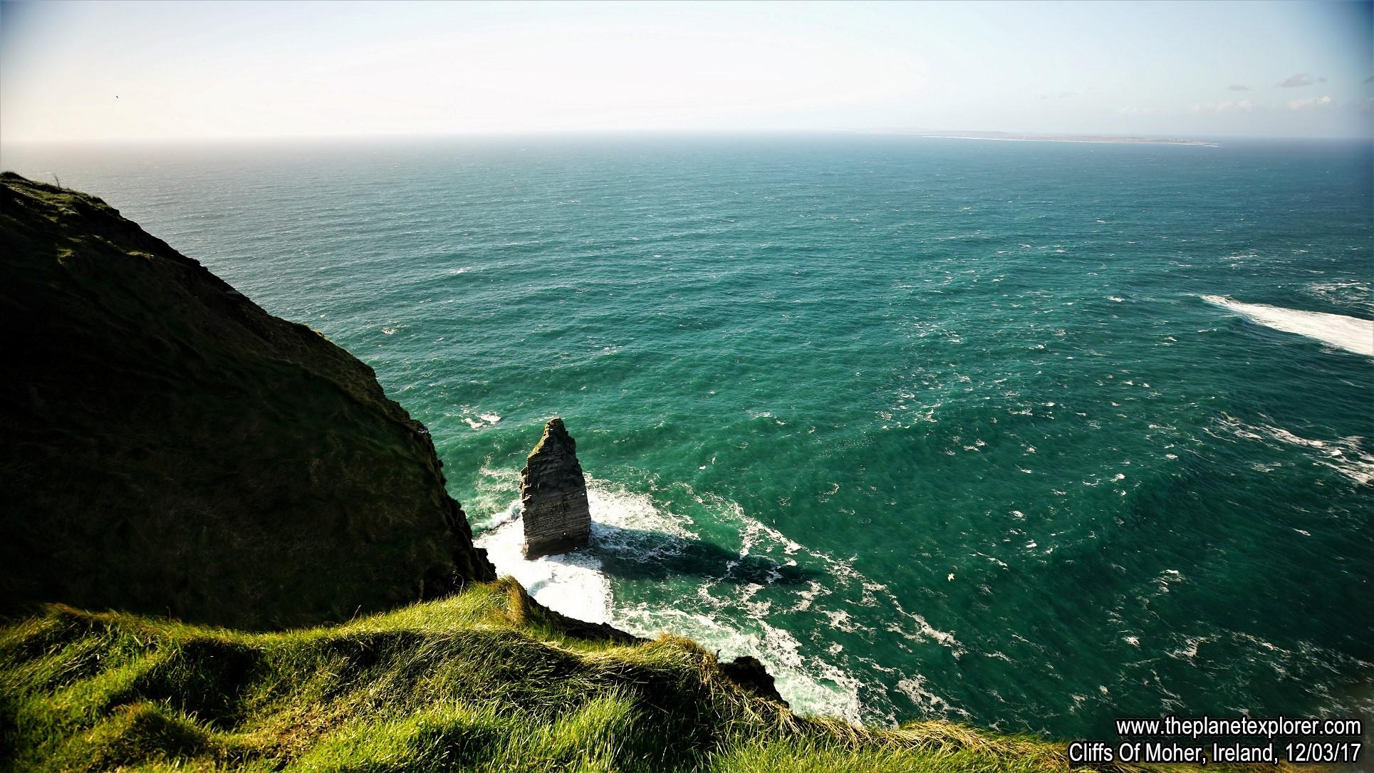 2017-03-12_1506_Ireland_Cliffs Of Moher_DSC07639_s7R2_LR_@www