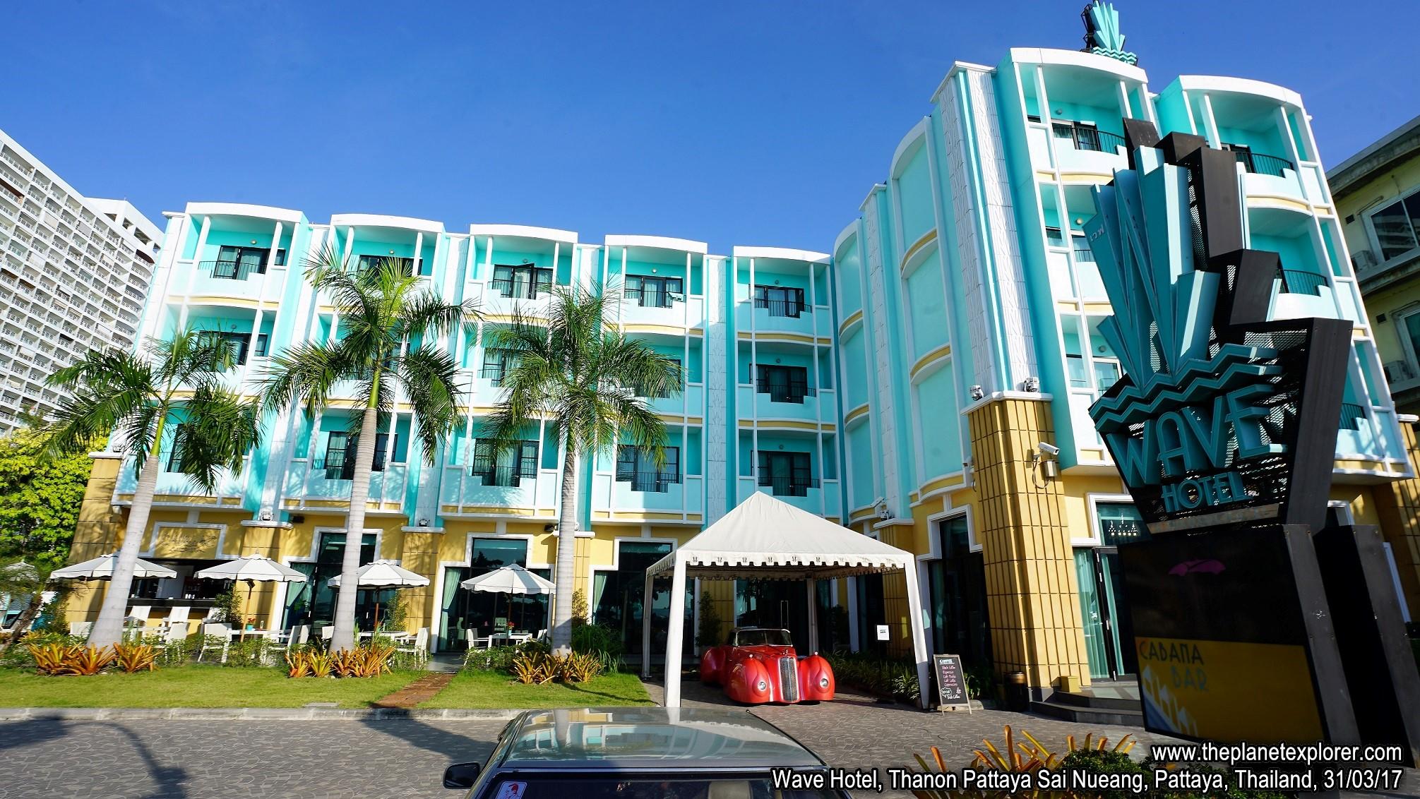 2017-03-31_1659_Thailand_Pattaya_Thanon Pattaya Sai Nueang_Wave Hotel_DSC03964_s7R2_LR_@