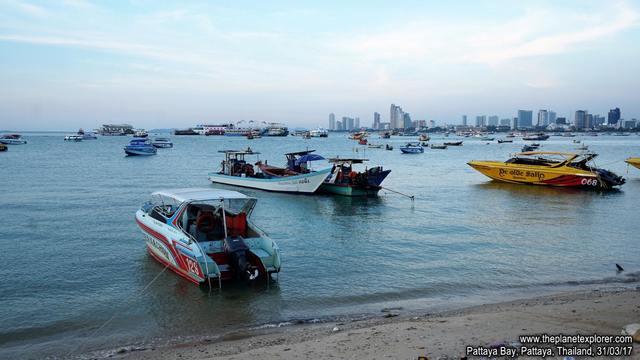 2017-03-31_1807_Thailand_Pattaya_Pattaya Beach_DSC04013_s7R2_LR_@