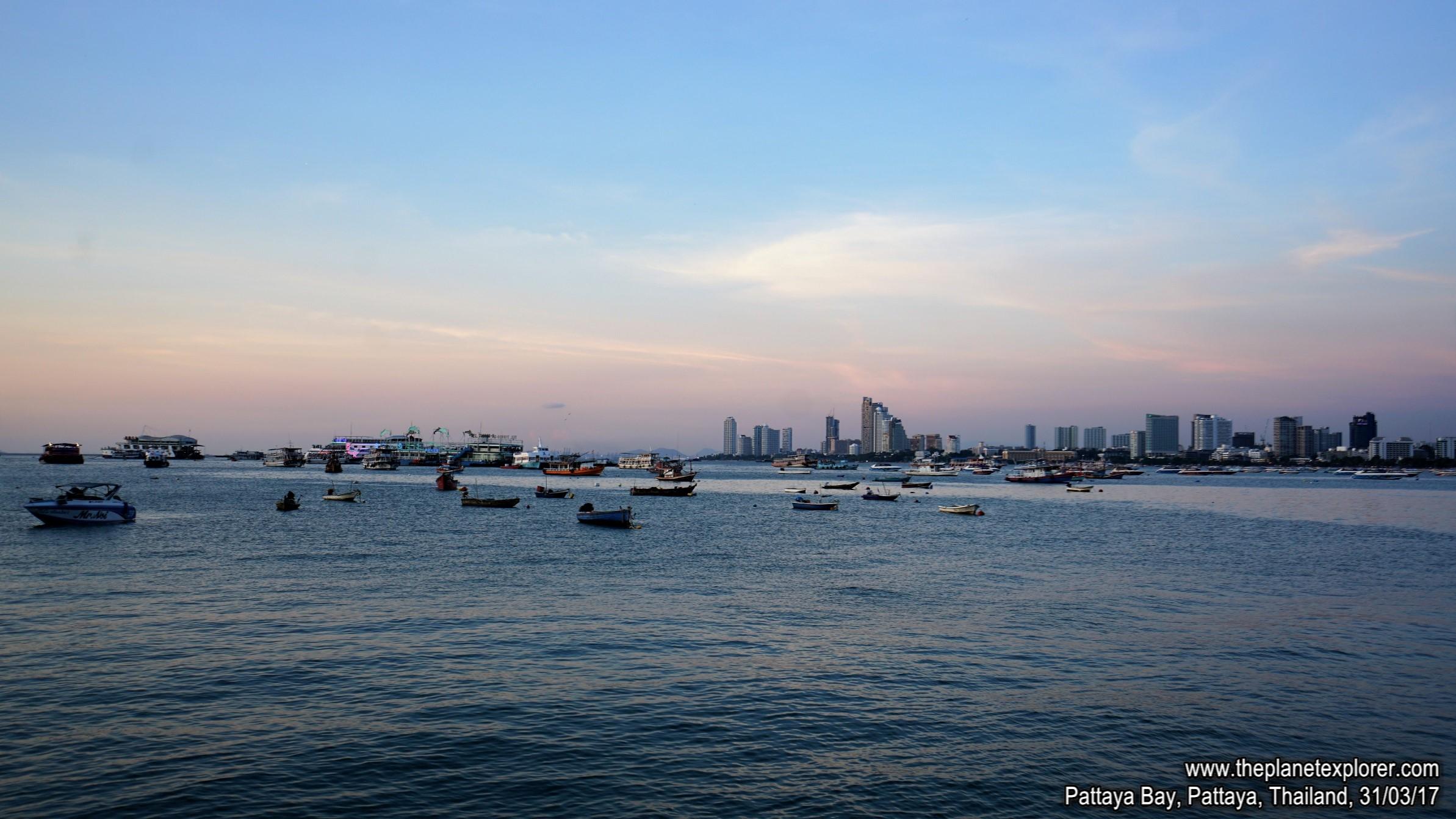 2017-03-31_1821_Thailand_Pattaya_Pattaya Beach_DSC04030_s7R2_LR_@