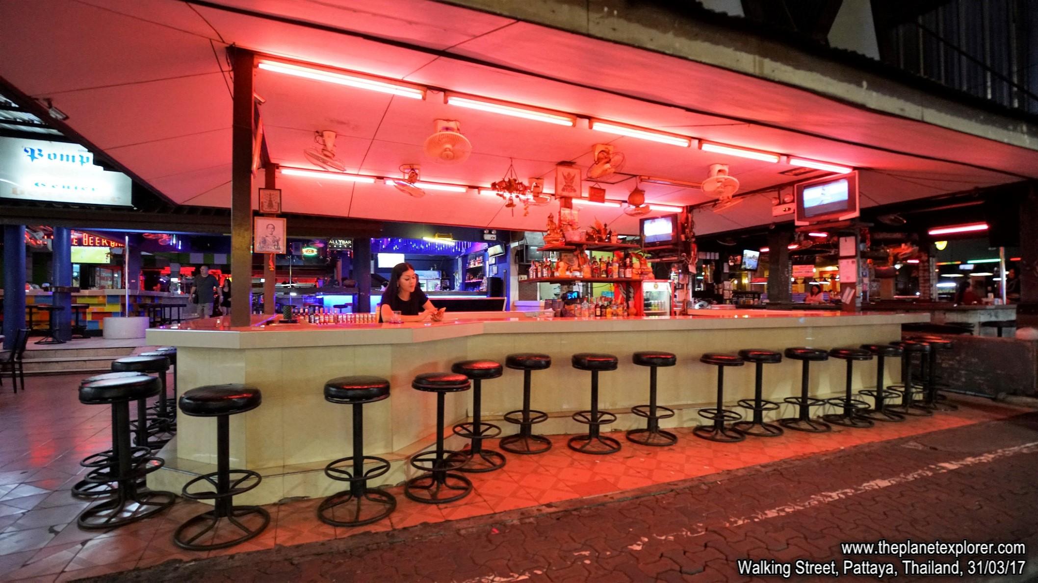 2017-03-31_1949_Thailand_Pattaya_Walking Street_DSC04085_s7R2_LR_@